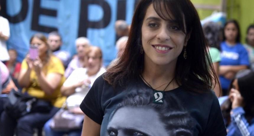 Fernández ratificó en el cargo a Victoria Donda ante el INADI, pese a la investigación en su contra