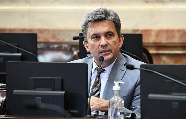 Victor Zimmermann: PRETENDEMOS INTERPELAR A CAFIERO POR EL VACUNATORIO VIP