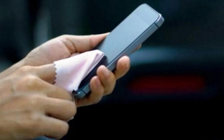 Coronavirus: ¿cómo desinfectar tu celular para evitar contagios?