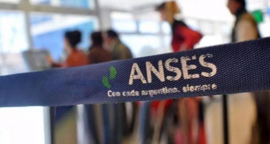 Adelantan pago de jubilaciones, pensiones y AUH junto a un nuevo bono extraordinario por la cuarentena