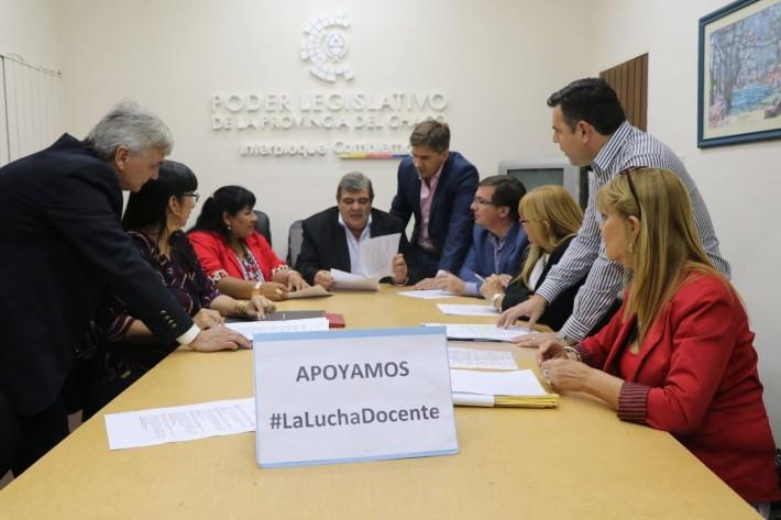 CONFLICTO DOCENTE: DIPUTADOS DE LA UCR PROPONEN REASIGNAR 1000 MILLONES DEL PRESUPUESTO 2019