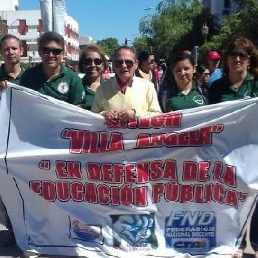 """""""ESTAMOS CON UN PIE EN LA INDIGENCIA Y OTRO PIE EN LA POBREZA"""