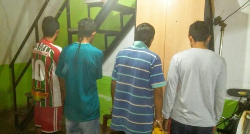ATACAN VIOLENTAMENTE A UN MENOR PARA ROBARLE SU CELULAR DETIENEN A LOS CUATRO ASALTANTES