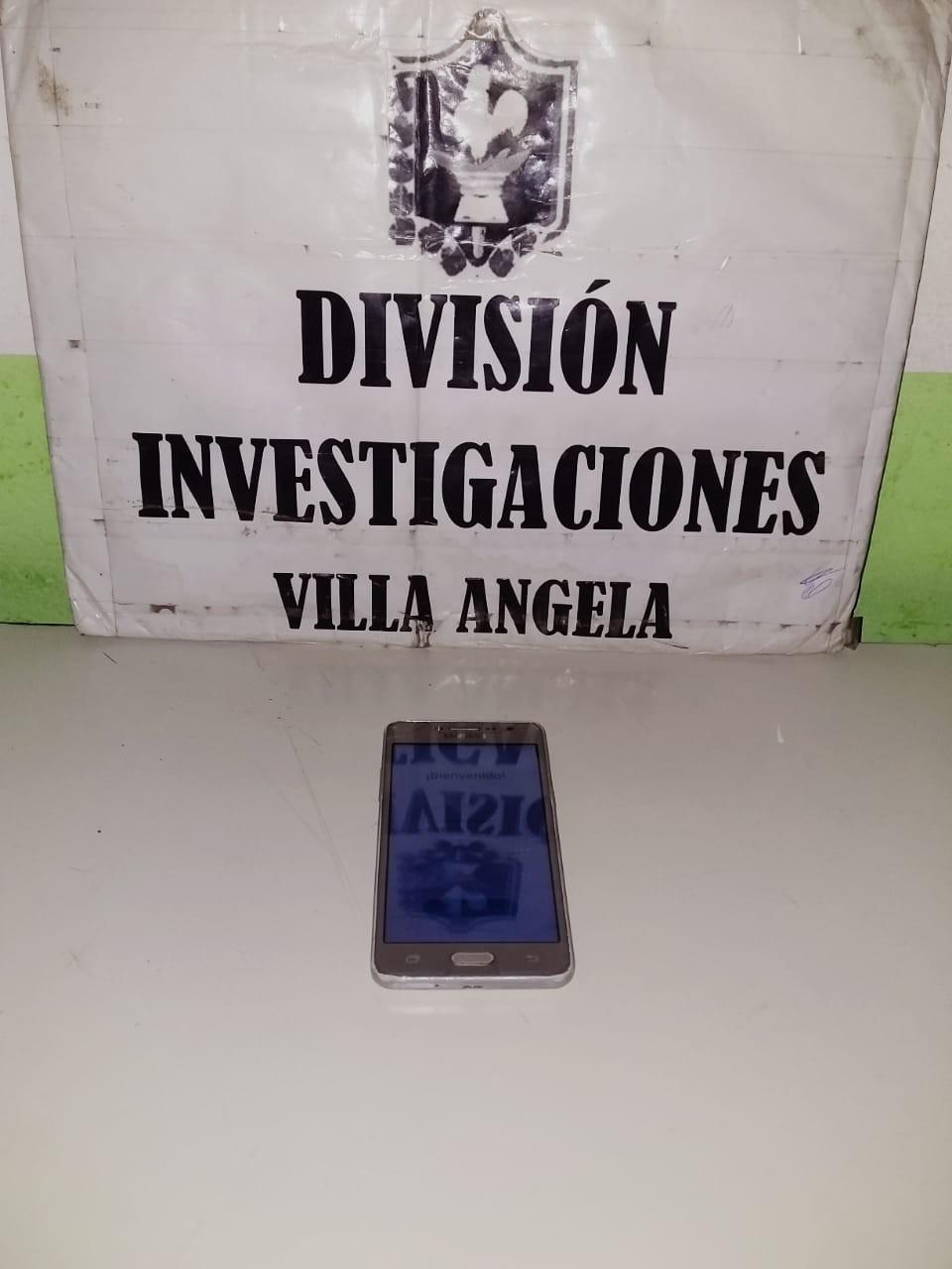 VILLA ÁNGELA: PERSONAL POLICIAL RECUPERA UN CELULAR ROBADO HACE UN MES
