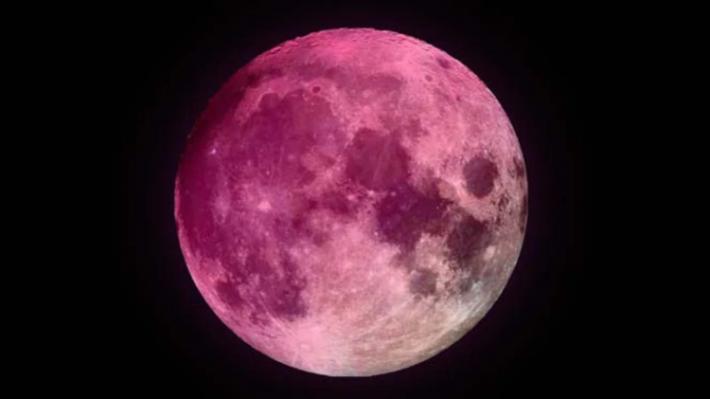 Llega la superluna rosa de abril, la Luna llena más grande y brillante que lo habitual