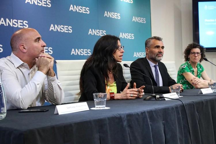 Coronavirus en Argentina: la ANSES postergó el pago del Ingreso Familiar de Emergencia