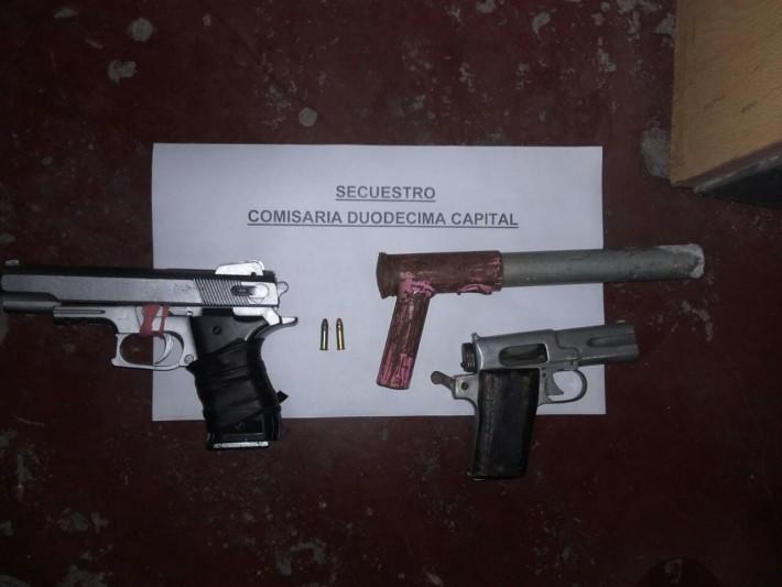RESISTENCIA: Se enfrentaron a tiros con la policía, huyeron y fueron detenidos con armas en una casa
