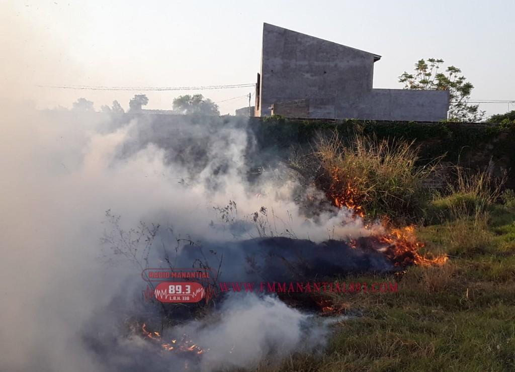 VILLA ÁNGELA: DOS INCENDIOS POR QUEMA DE PASTIZALES SE SALIERON DE CONTROL