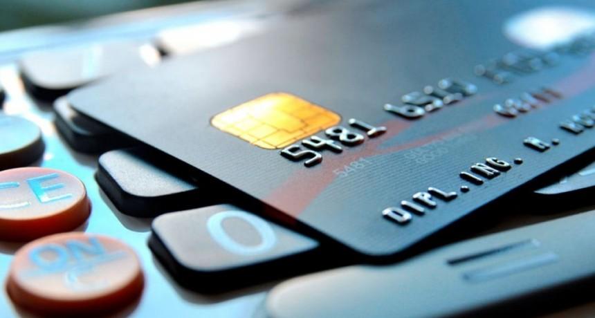 Tarjetas de crédito: extienden el plazo para pagar el resumen