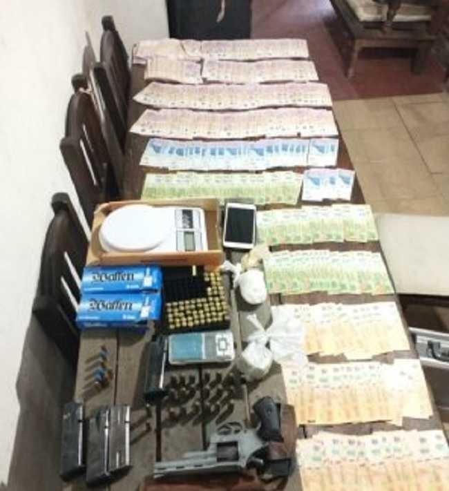 En dos allanamientos en Resistencia secuestraron marihuana, cocaína y dinero en efectivo