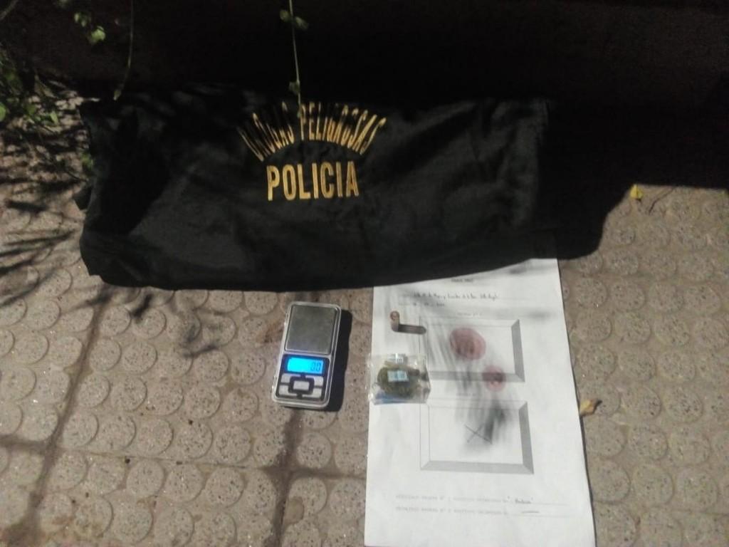 Villa Ángela: DETIENEN A UN HOMBRE CON 2,6 Grs. DE MARIHUANA