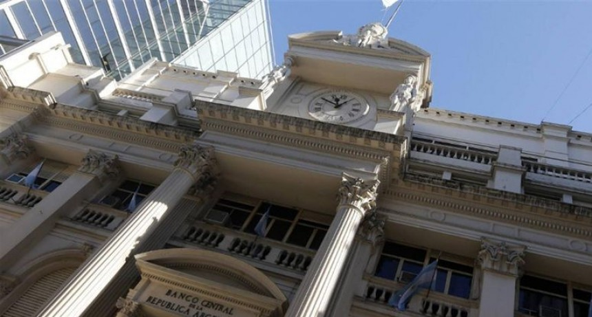 Los bancos anunciaron un aumento en las comisiones del 30%