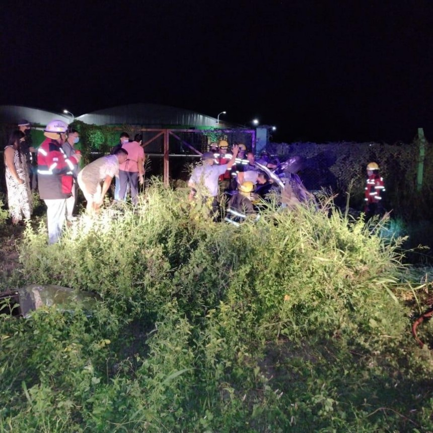 Tragedia en ruta 16: dos hombres murieron tras chocar contra un caballo y volcar