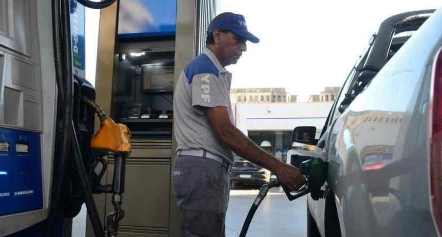 Desde mañana aumentarán un 6% en promedio los precios de los combustibles