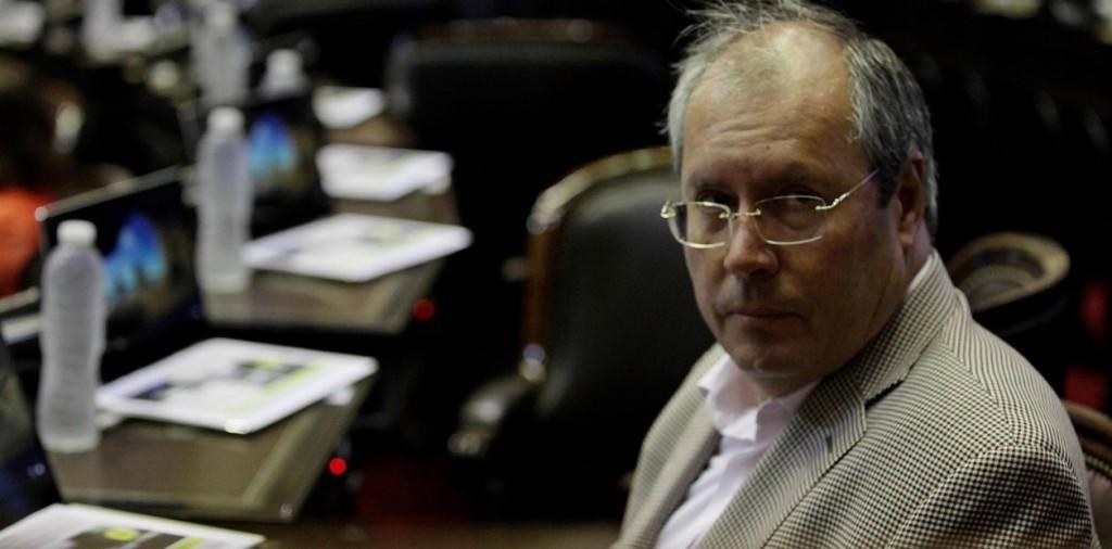 Tras ser baleado frente al Congreso Falleció el diputado de la UCR Héctor Olivares