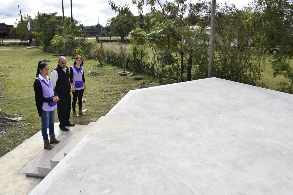 Articulado por la URS y el Gobierno Provincial, finalizó la Obra del Escenario del Jardín de Infantes N°139 de Villa Ángela