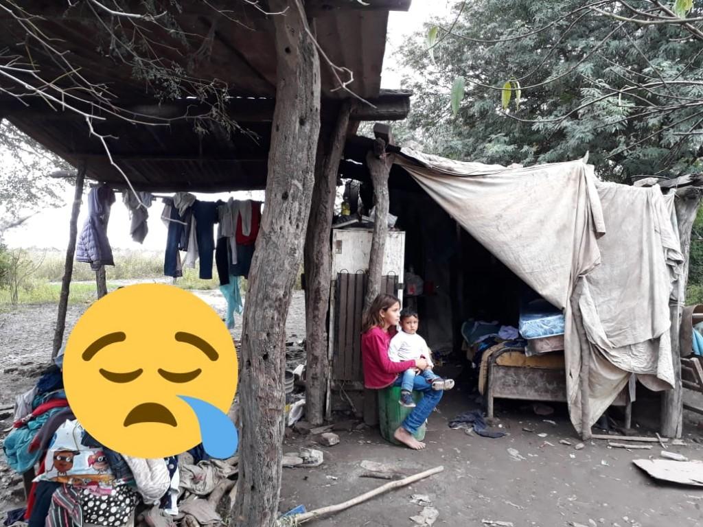 Jóvenes de Villa Ángela llevan Ayuda Humanitaria a Familia de La Tigra, que lo perdió todo