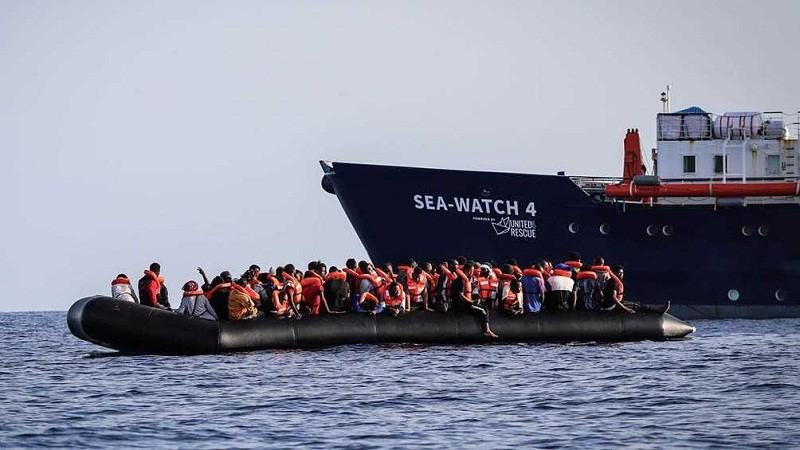 RESCATE HUMANITARIO Con 455 migrantes a bordo, el Sea-Watch 4 pide desembarco en un puerto de Europa