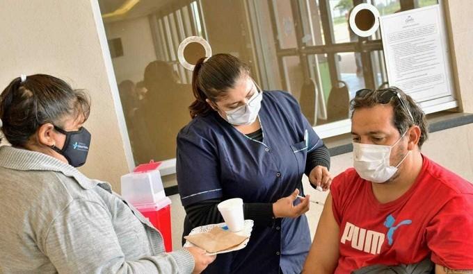PRÓXIMA ETAPA DEL PROCESO DE INMUNIZACIÓN EN LA PROVINCIA- Campaña de Vacunación en el Chaco: ¿Quiénes forman parte de los grupos de riesgo por exposición?