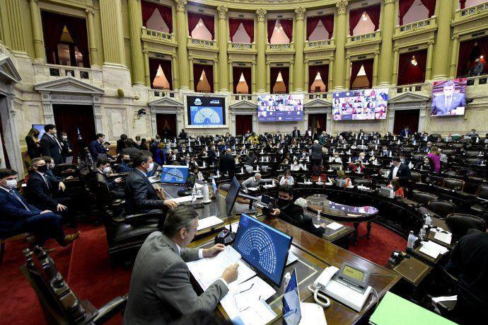 Diputados aprobaron la postergación de las elecciones PASO y las generales