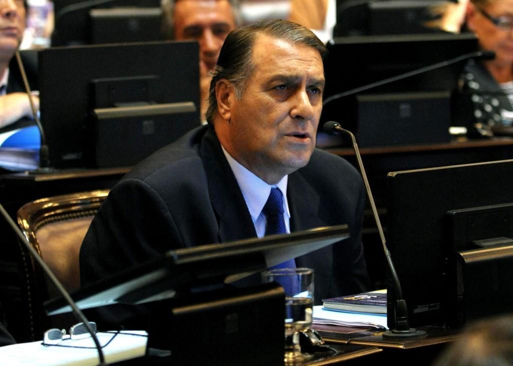 Ángel Rozas no irá por la renovación de banca y anuncia su retiro de la política
