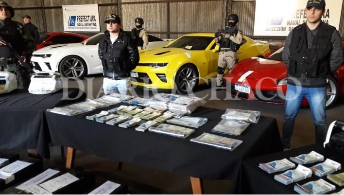 En vivo dentro del galpón de Prefectura: la espectacular flota de Villalba, dinero en bolsas y máquinas secuestradas