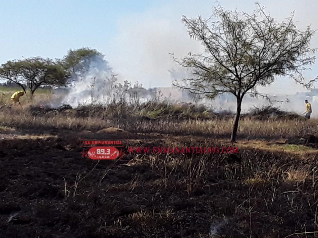 Villa Ángela: INCENDIO EN UN TERRENO BALDÍO LOGRÓ SER SOFOCADO POR BOMBEROS