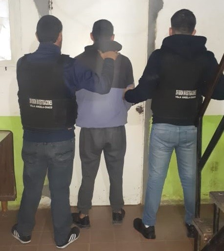 Villa Ángela: UNA JOVEN DE 22 AÑOS ACUDE A PERSONAL DE POLICÍA TRAS HABER SIDO GOLPEADA Y AMENAZADA CON UN ARMA POR SU PAREJA