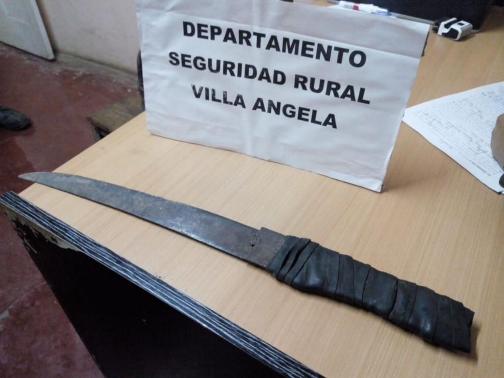 Villa Ángela: UNA MUJER DENUNCIA QUE SU PAREJA INTENTABA AGREDIRLA CON UN MACHETE