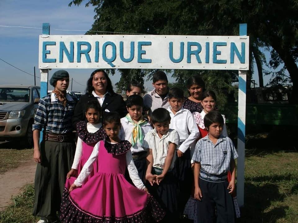 Enrique Urien: 8º ANIVERSARIO DE LA ESCUELA DE DANZAS MUNICIPAL