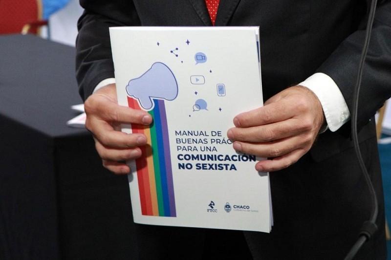 En el Día de las y los Periodistas- El Gobierno presentó el manual de buenas prácticas para una comunicación no sexista