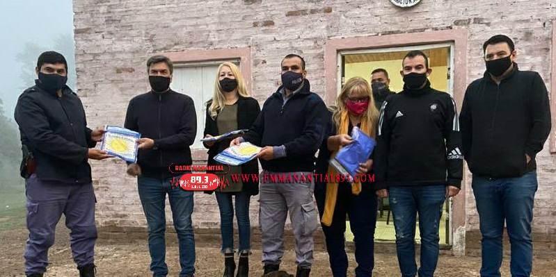 Villa Ángela: Diputados Provinciales Visitaron el Departamento de Seguridad Rural y Concretaron la Entrega de Banderas Nacionales a la Institución