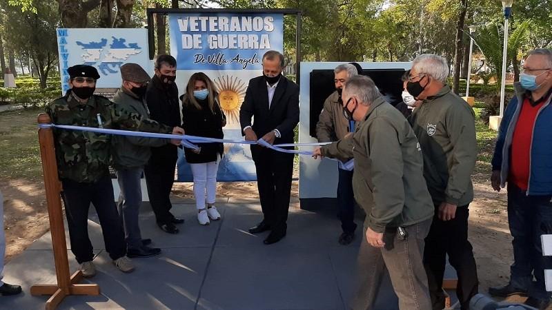 Villa Ángela: El Intendente Papp Inauguró el Monumento de los Ex Combatientes de Malvinas