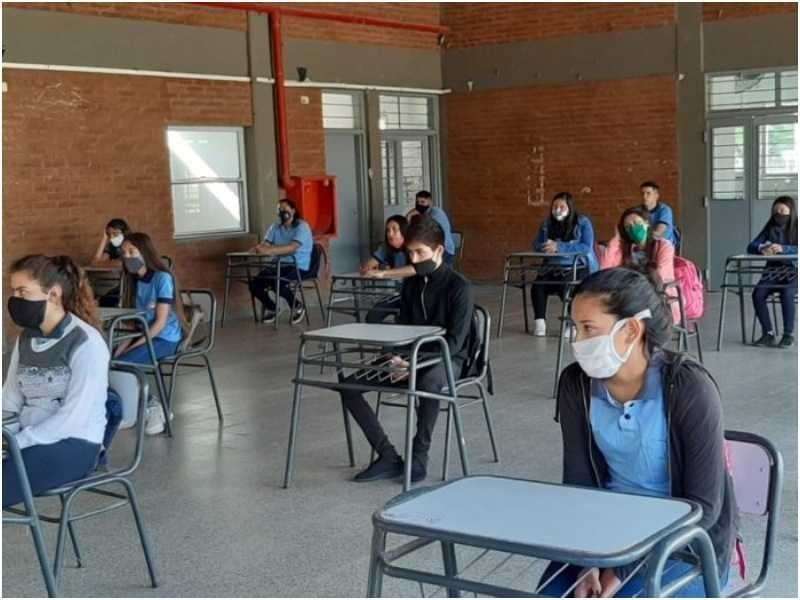 """CLASES EN LA PROVINCIA- Capitanich anunció que tras las vacaciones se retomará la """"presencialidad masiva"""""""