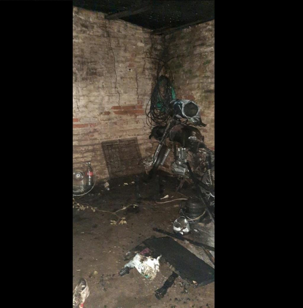 Investigan el incendio de la vivienda de un familiar de uno de los policías detenidos por la muerte de Josué Lago