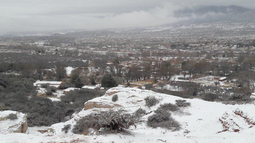 Nevó al Sur de la Quebrada de Humahuaca