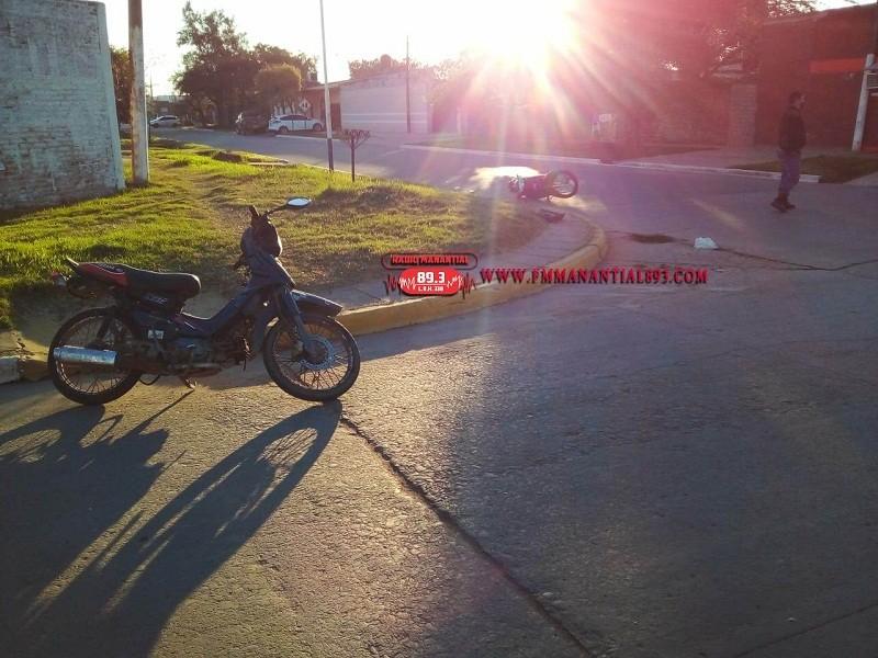 Villa Ángela: Dos Personas resultaron Lesionadas tras el Choque entre Motocicletas
