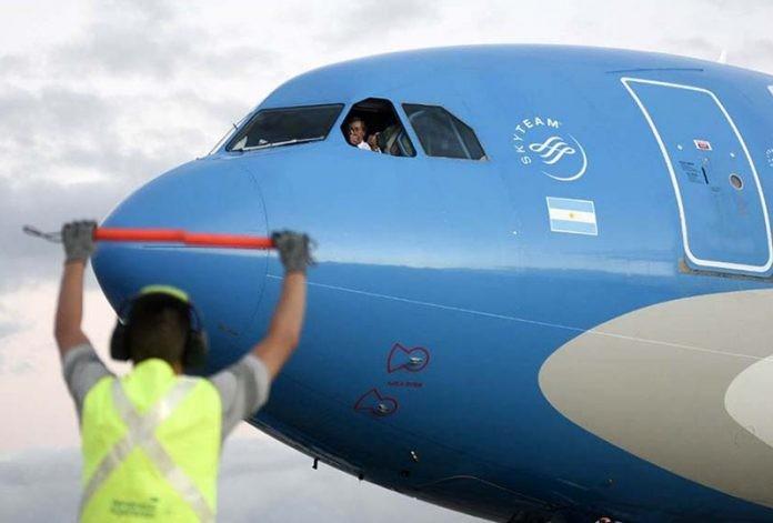 Llegó el segundo vuelo de Aerolíneas Argentinas con más de 700 mil dosis de Sinopharm