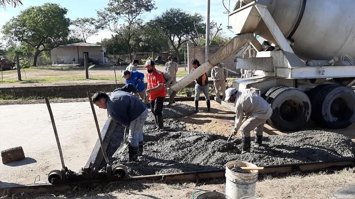 Villa Ángela: El Municipio Retomó la Obra de Pavimento de Avenida Alem