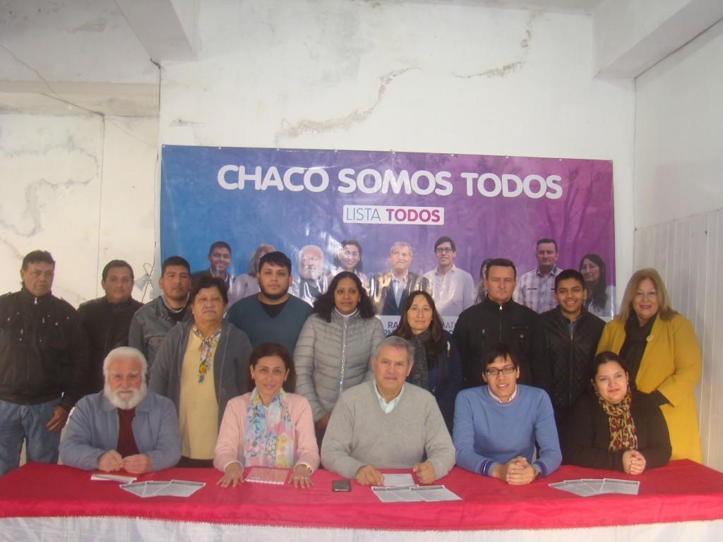 El candidato a intendente Raúl Fernández presentó en conferencia de prensa la lista TODOS