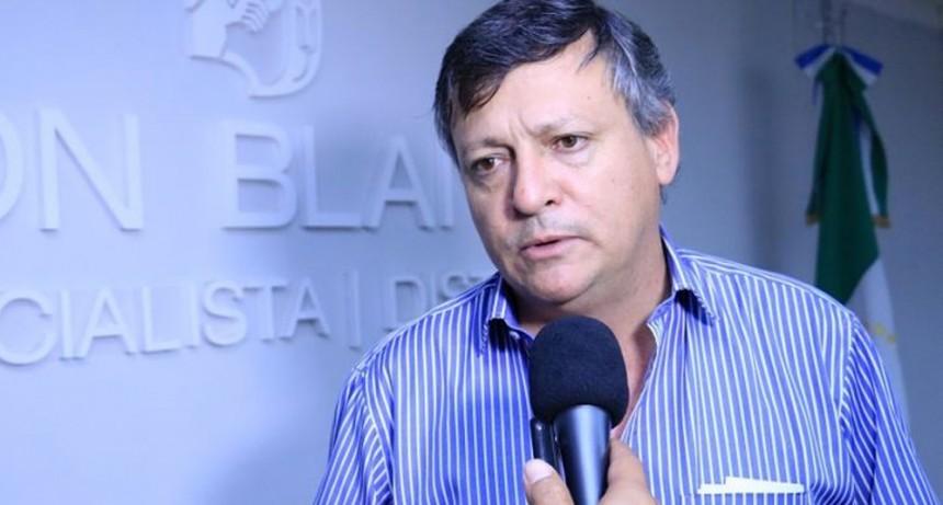 El gobernador defiende su gestión ante quienes lo juzgan por actitudes que tuvo con el gobierno nacional
