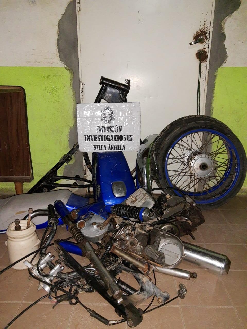 Villa Ángela: RECUPERAN MOTOPARTES ROBADAS POR DOS MENORES DE EDAD