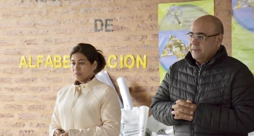 """Programa Provincial de alfabetización """"Aprendiéndonos"""" en la Colonia El Pastoril"""