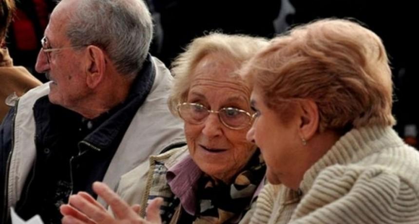 Analizan el pago de una suma extra a jubilados