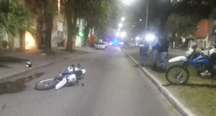 Llevaba cocaína, y y se escapó golpeando a policías