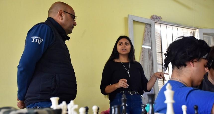 Fabiana Ponce de Leon agradeció el Apoyo del Gobierno Provincial para Reactivar la actividad del Ajedrez en Villa Ángela