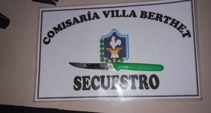 Villa Berthet: UNA MUJER ES ATACADA CON PUNTA DE CUCHILLO POR SU EX PAREJA
