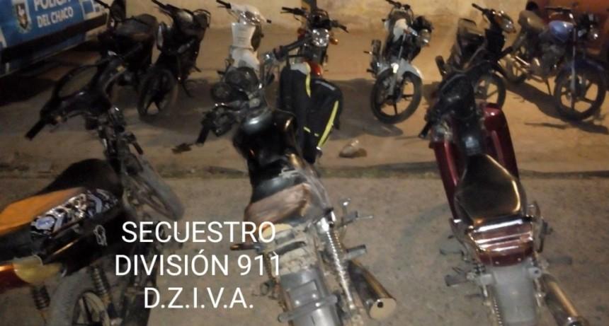 Villa Ángela: DESCUBREN UNA REUNIÓN DE MÁS DE 60 PERSONAS, HUYERON Y DEJARON SUS MOTOS | FUERON SECUESTRADAS POR EL PERSONAL POLICIAL