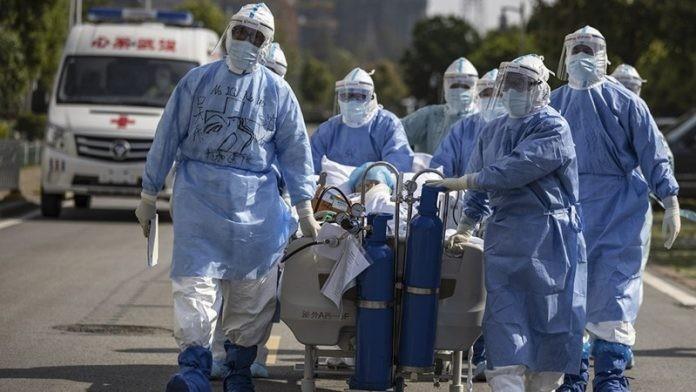 """La OMS solicita casi 8 mil millones de dólares para frenar la """"oleada"""" de variantes de coronavirus"""