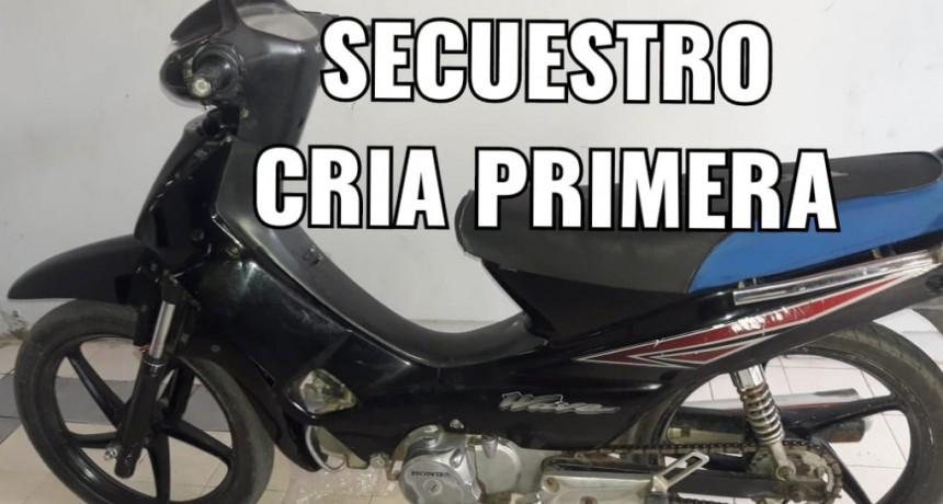 Villa Ángela: RECUPERAN UNA MOTO ONDA WAVE CON PEDIDO DE SECUESTRO DEL 2015 | BUSCAN A SU PROPIETARIO